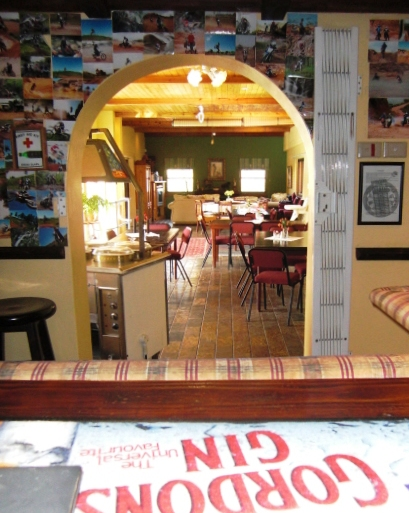 dining-room-from-bar