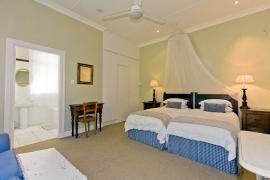 Lemon-Tree-bedroom