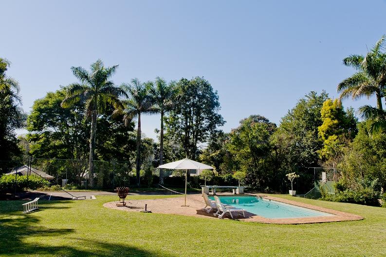Lemon-Tree-pool-area