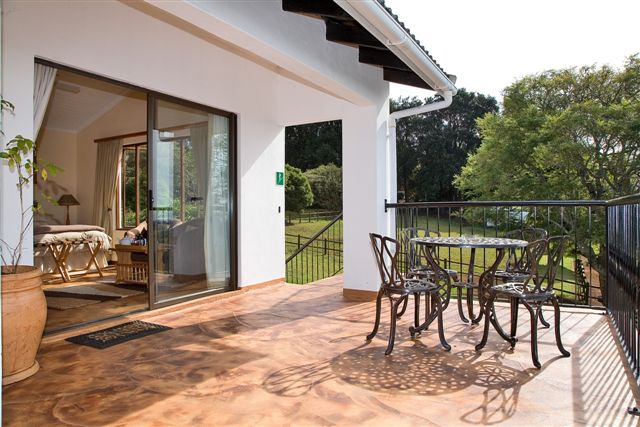 shenindor-self-catering-suite-balcony