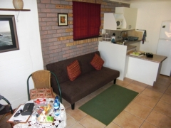 unit-3-lounge_kitchen_0